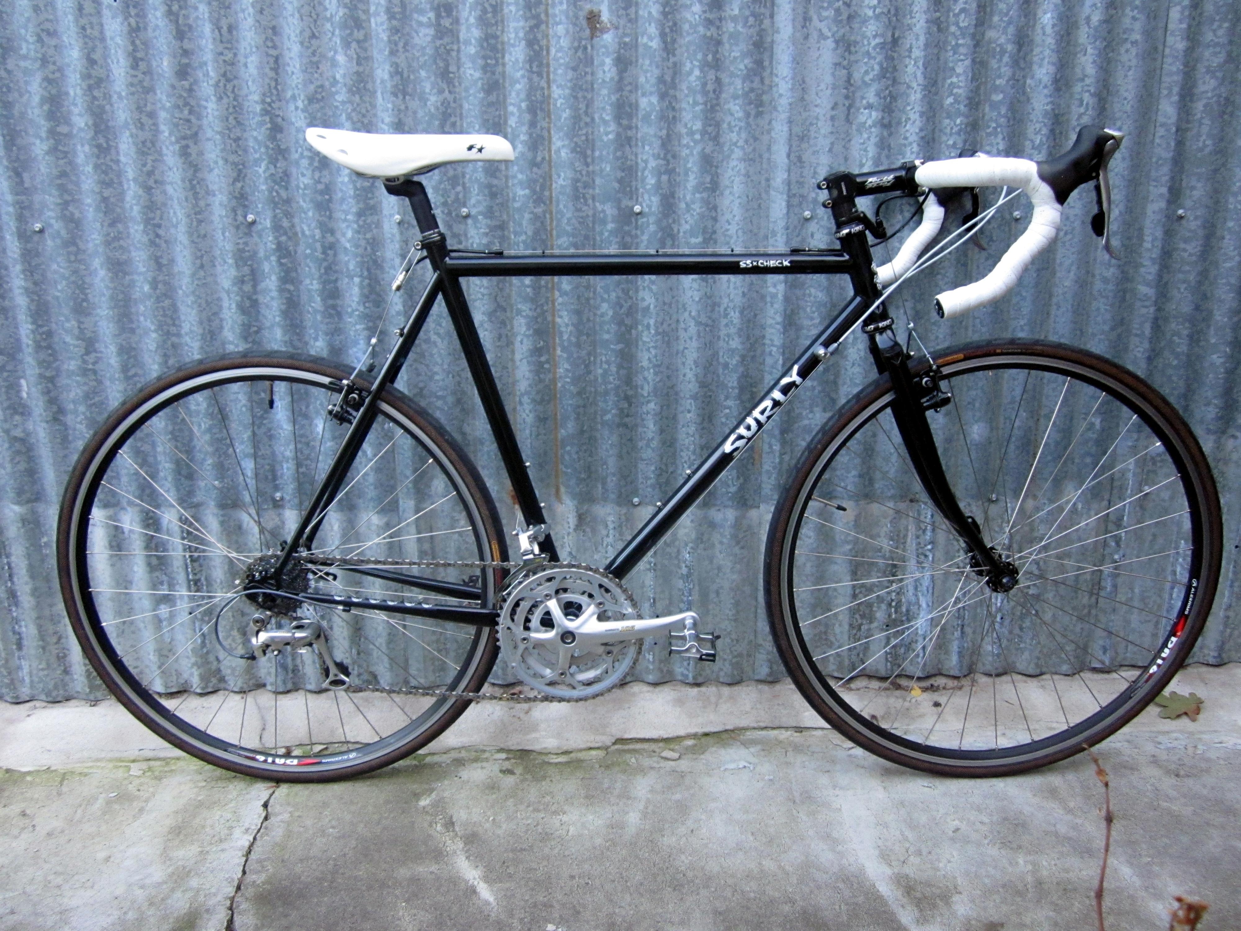56cm Bike surly cm black